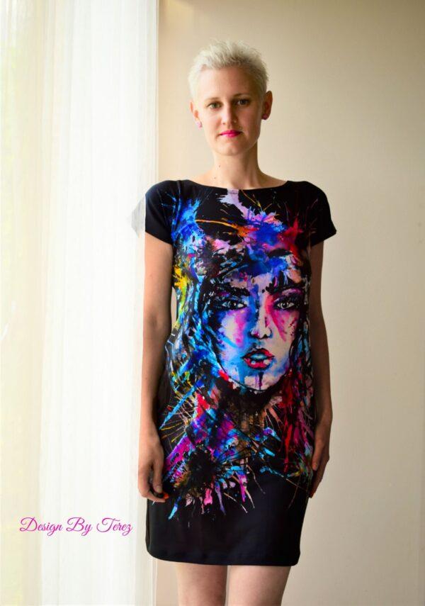 designové šaty