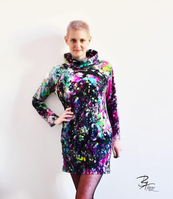mikina, šaty