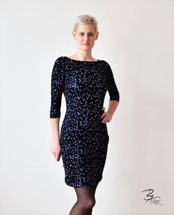 krátké designové šaty by terez